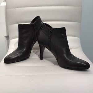 Bandolino Dark Brown Leather Ankle Booties